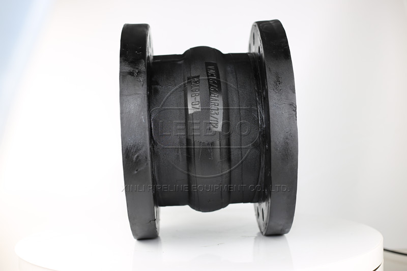 如何保障橡胶接头在管道中运行